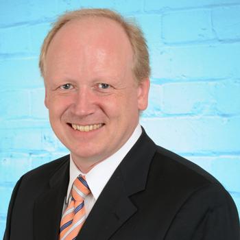 Dr Dominik Heil